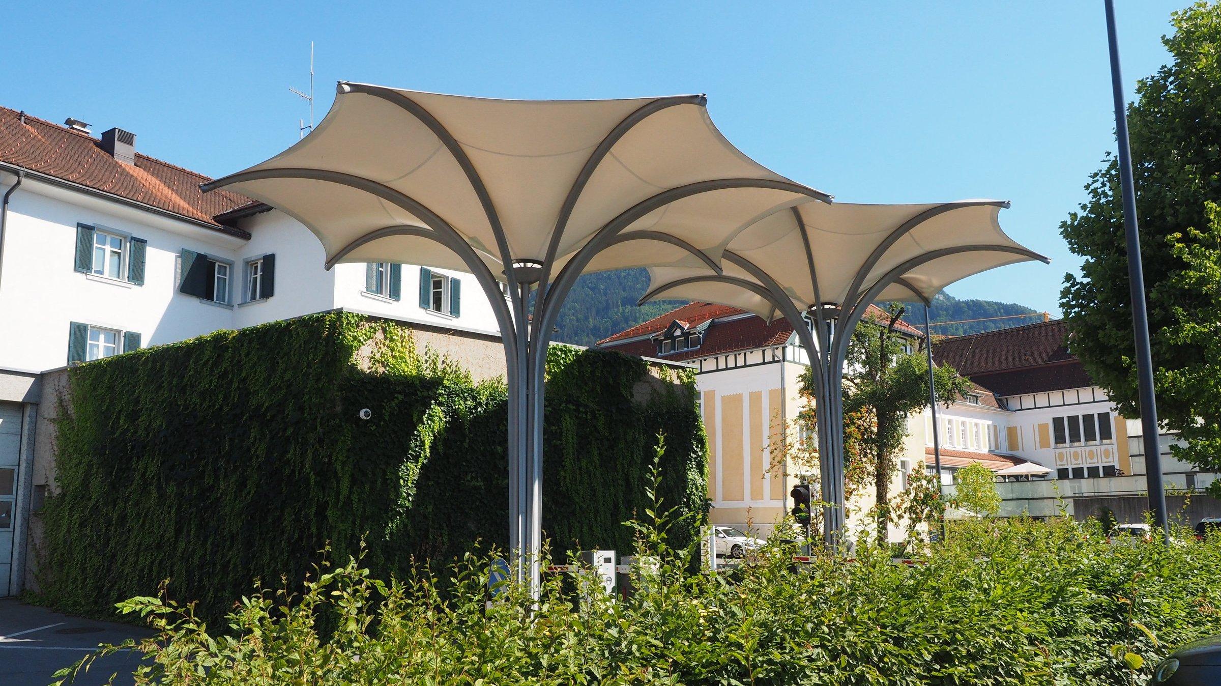 Textile Schirme, KH Hohenems  drexelarchitekten